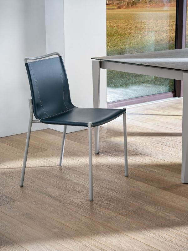 Sedie per la casa: stili e materiali