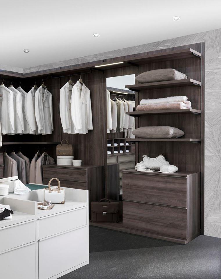 cabina armadio con specchio e luci led
