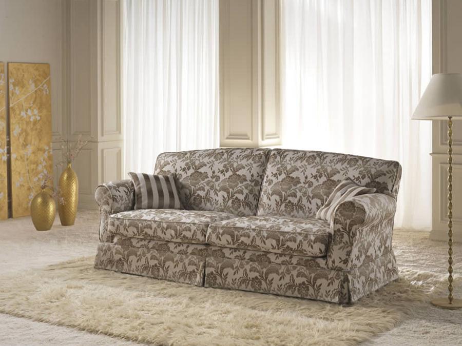 divano modello clorinde stile classico per il salotto di classe