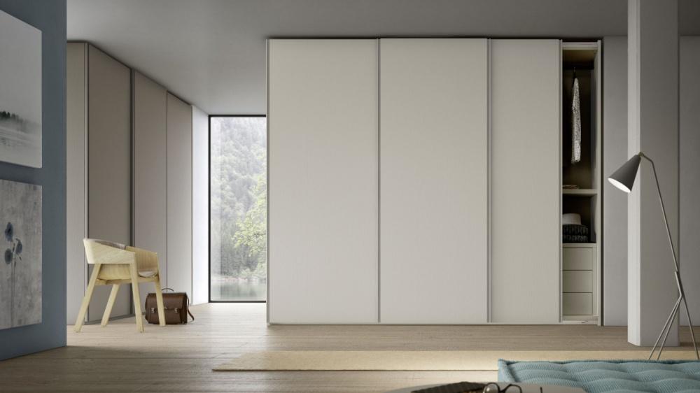 la semplicità di un armadio moderno
