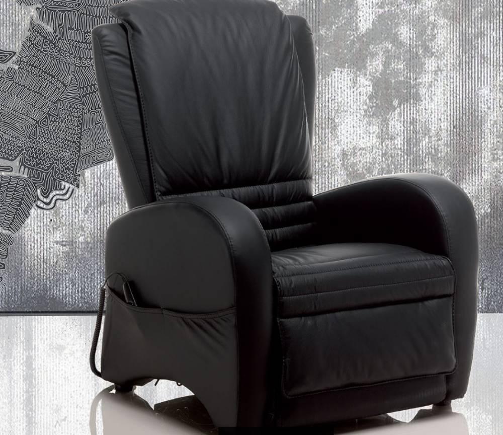 poltrona relax in pelle colore nero