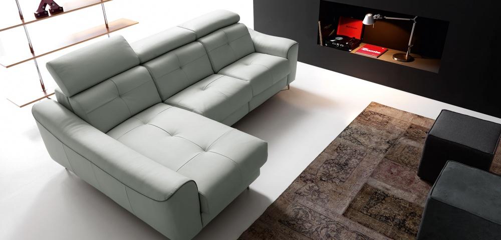 scegliere il modello di divano adatto al salotto moderno