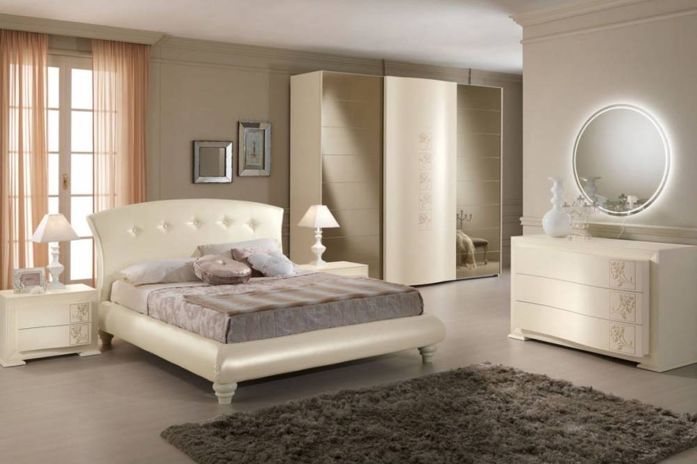 Camere classiche for Camere da letto matrimoniali contemporanee