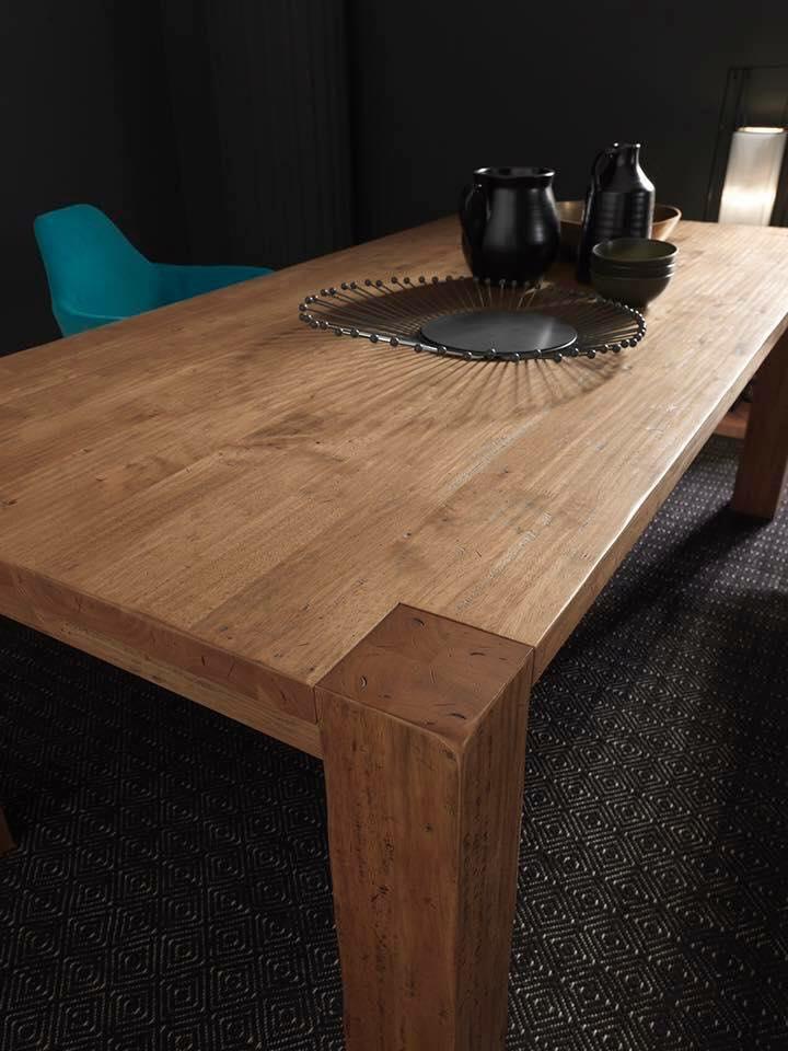 tavolo in puro legno massello